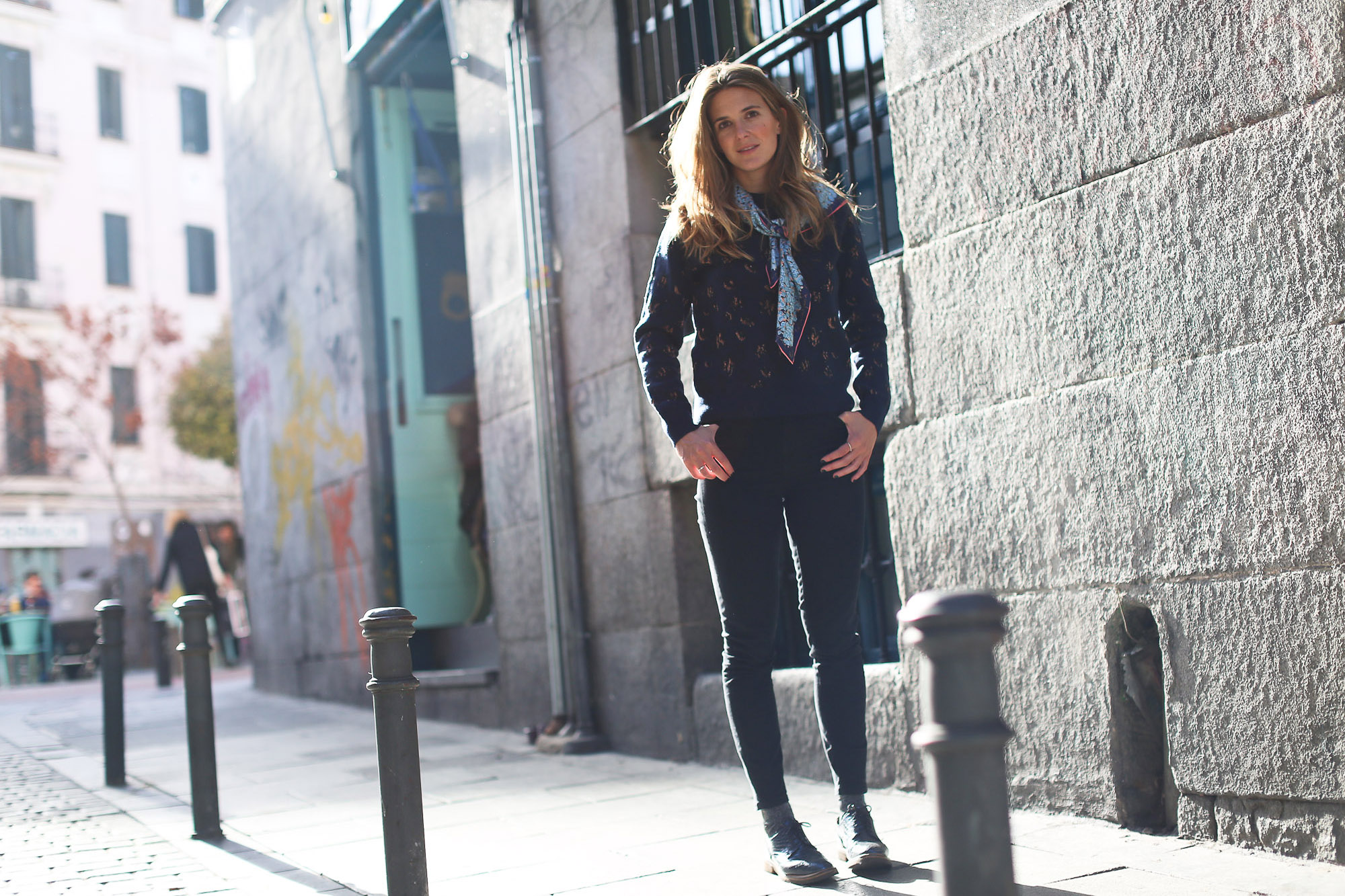 Clochet_streetstyle_fashionblogger_andotherstories_metallicflowersknit_ponsquintanabrogues_topshopjamiejeans_coswoolcoat-6