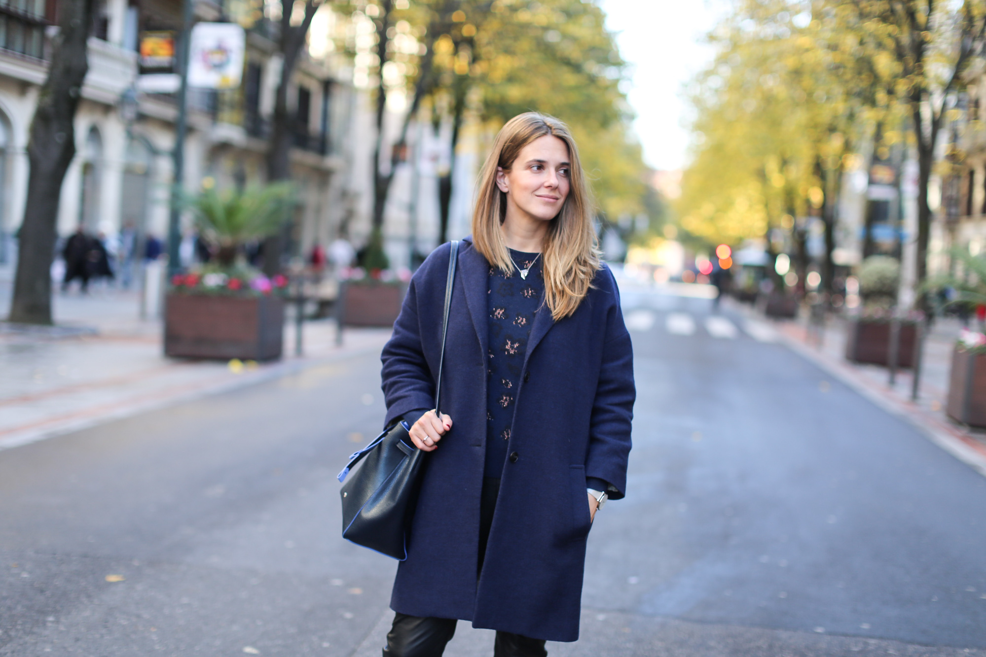 Clochet_streetstyle_fashionblogger_bilbao_masscobCoulsonCoat_trimmerbilbao_adidassuperstar-4