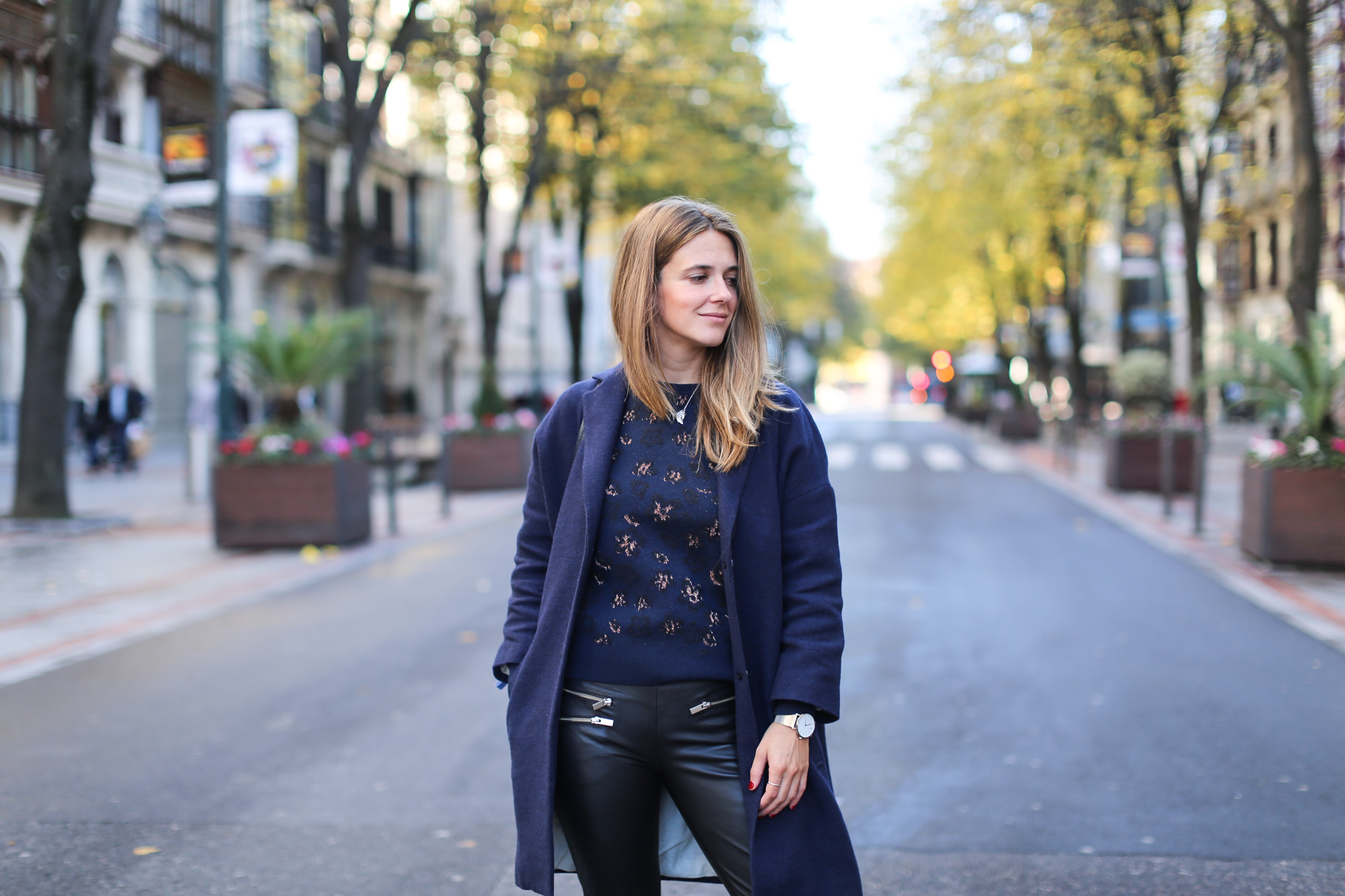 Clochet_streetstyle_fashionblogger_bilbao_masscobCoulsonCoat_trimmerbilbao_adidassuperstar-5