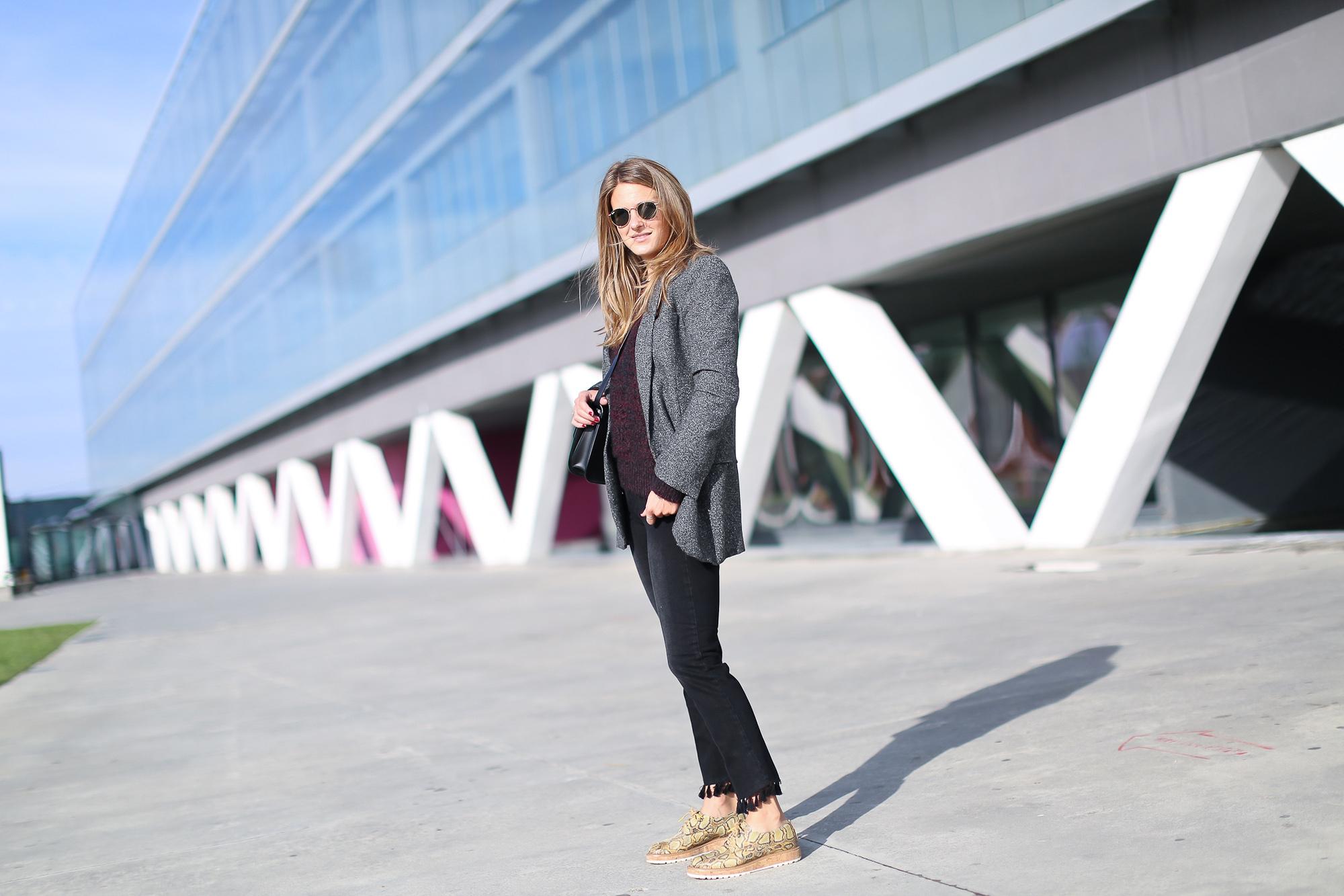 Clochet_streetstyle_fashionblogger_bilbao_zapatospielpertiniestampadoserpientepiton_zarajeansborlaspompones-2