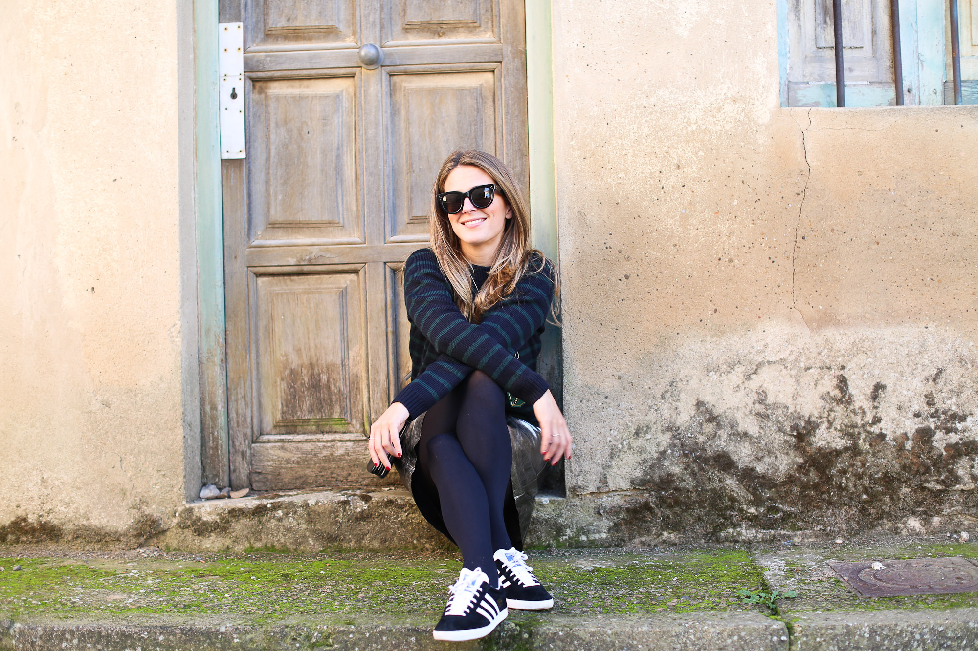 Clochet_streetstyle_fashionblogger_zarametallicleatherskirt_claudiepierlot_stripedknit_adidasgazelle-7