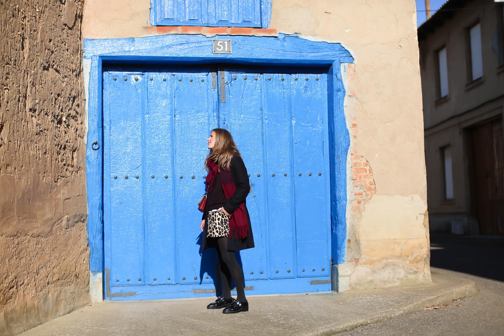 Clochet_streetstyle_fashionblogger_IKKSwoolknit_titamadridspigagranate_sandrobrogues_zaraleopardshorts-2