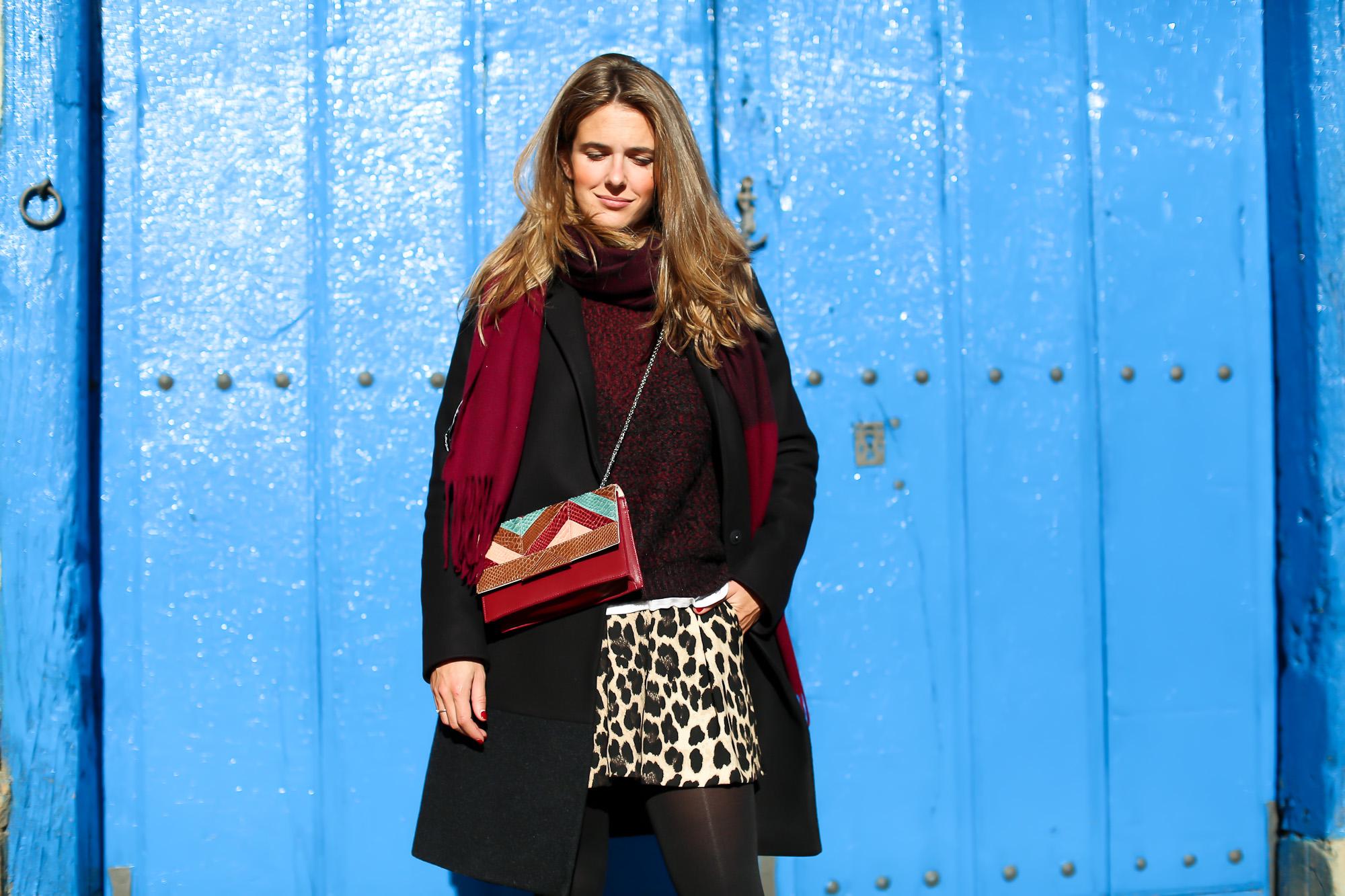 Clochet_streetstyle_fashionblogger_IKKSwoolknit_titamadridspigagranate_sandrobrogues_zaraleopardshorts-4