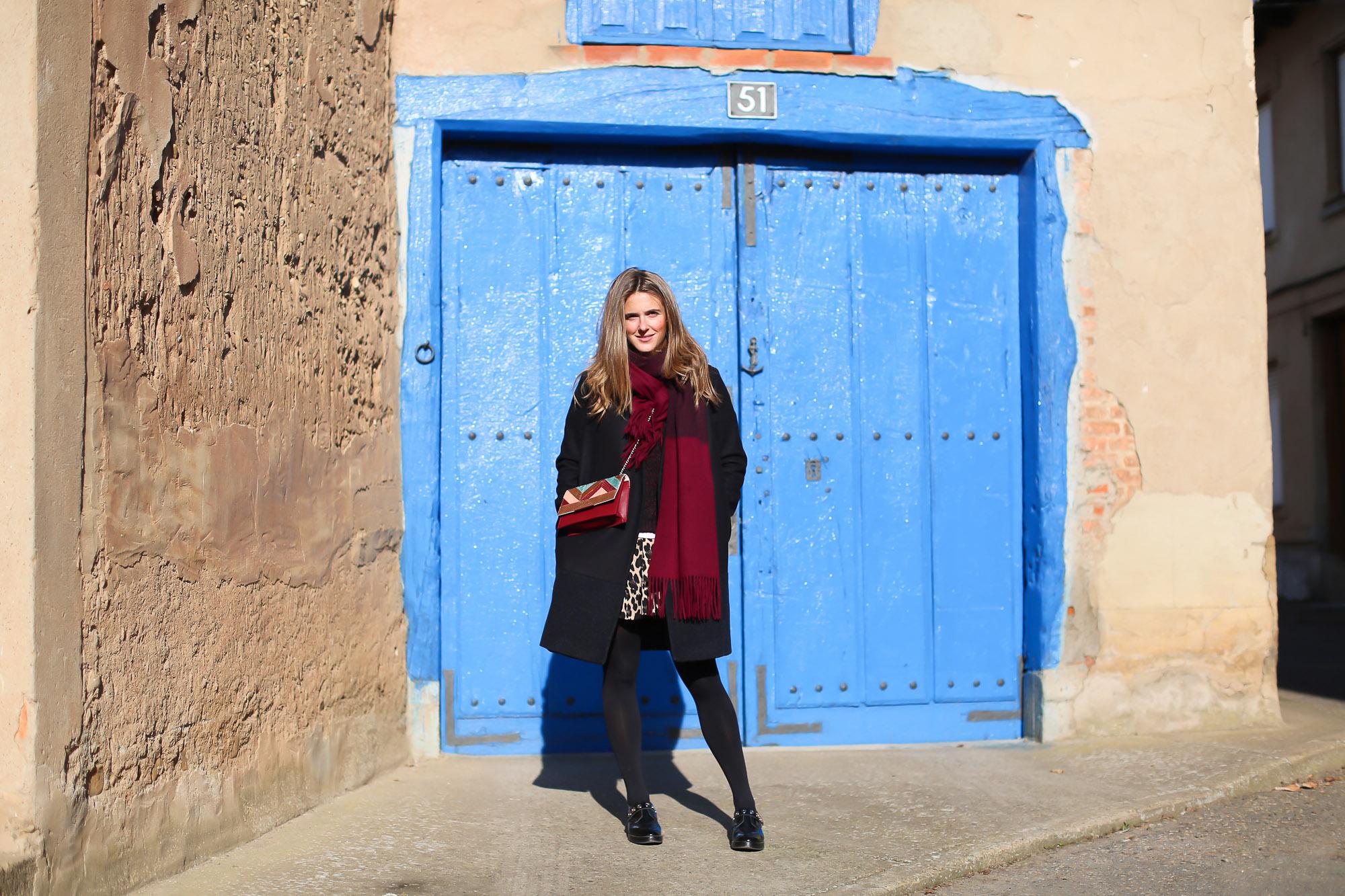 Clochet_streetstyle_fashionblogger_IKKSwoolknit_titamadridspigagranate_sandrobrogues_zaraleopardshorts