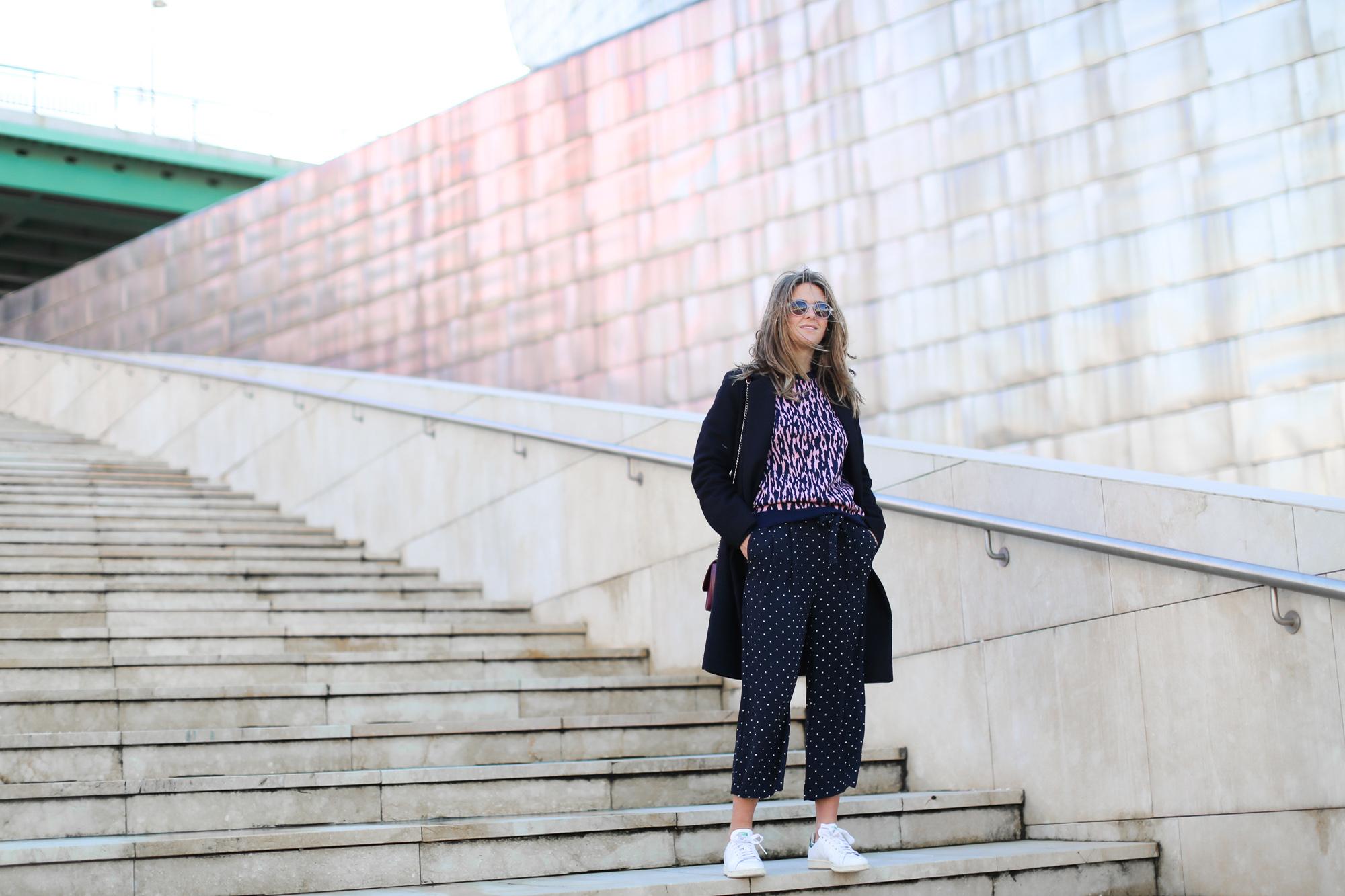 Clochet_streetstyle_fashionblogger_andotherstories_merinowooljacquardsweater_leopardprintpinkandblue_adidasstansmith-2