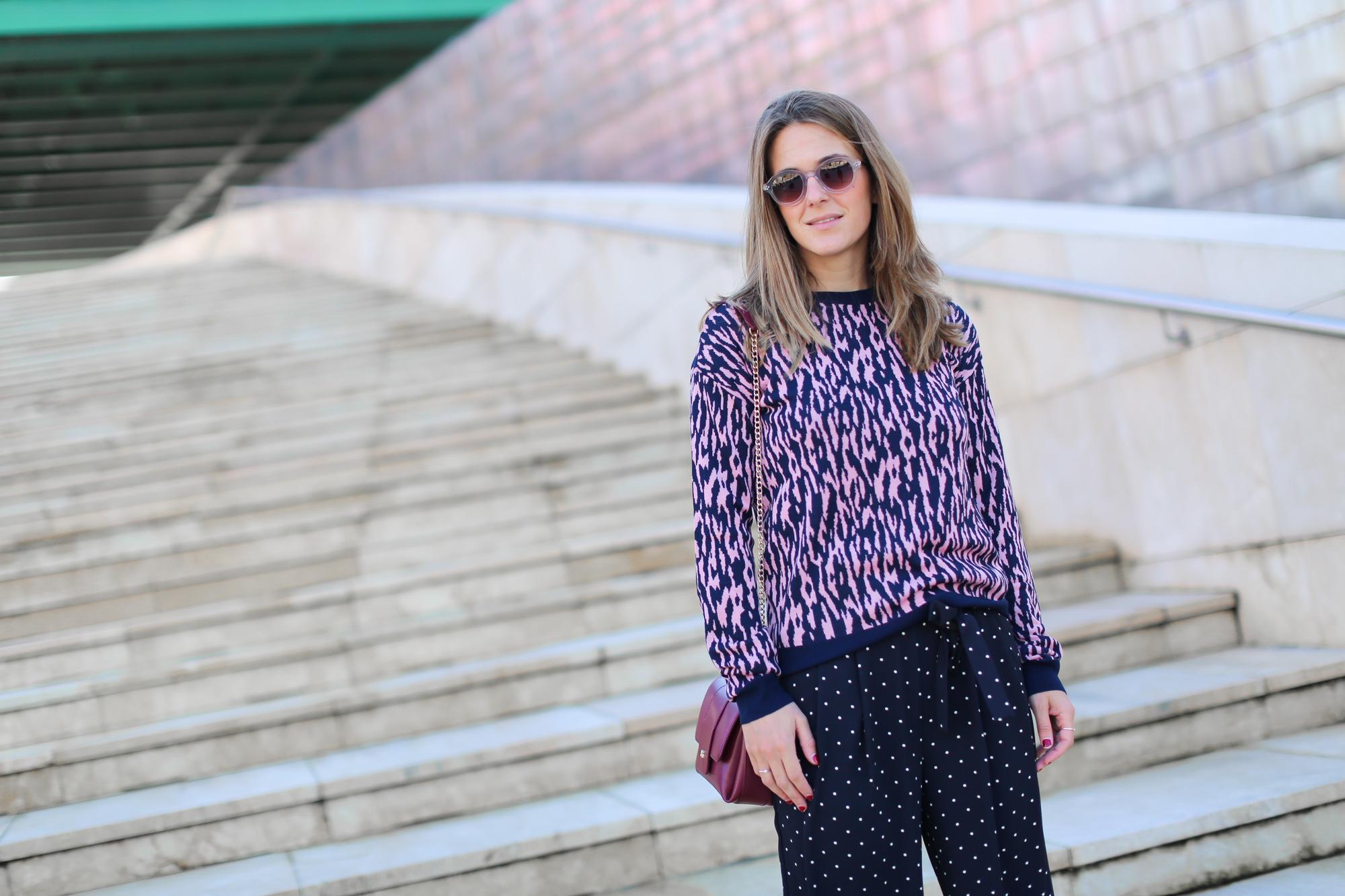 Clochet_streetstyle_fashionblogger_andotherstories_merinowooljacquardsweater_leopardprintpinkandblue_adidasstansmith-7