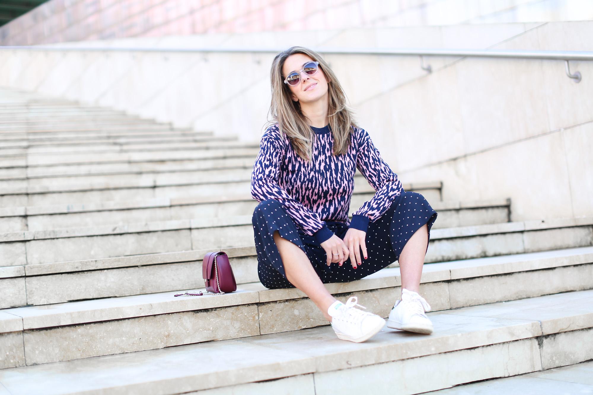 Clochet_streetstyle_fashionblogger_andotherstories_merinowooljacquardsweater_leopardprintpinkandblue_adidasstansmith-8