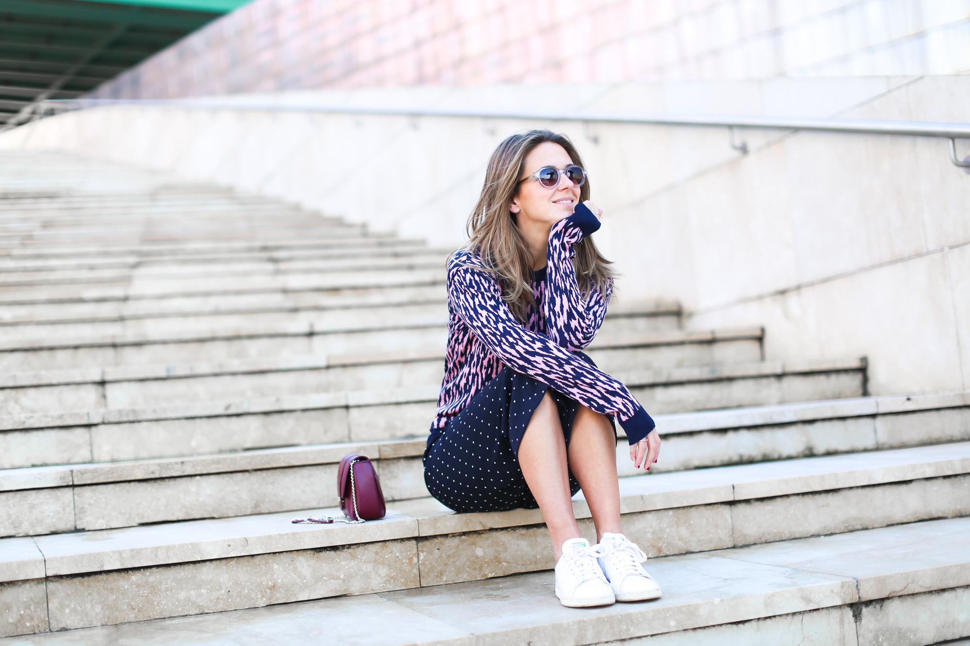 Clochet_streetstyle_fashionblogger_andotherstories_merinowooljacquardsweater_leopardprintpinkandblue_adidasstansmith-9