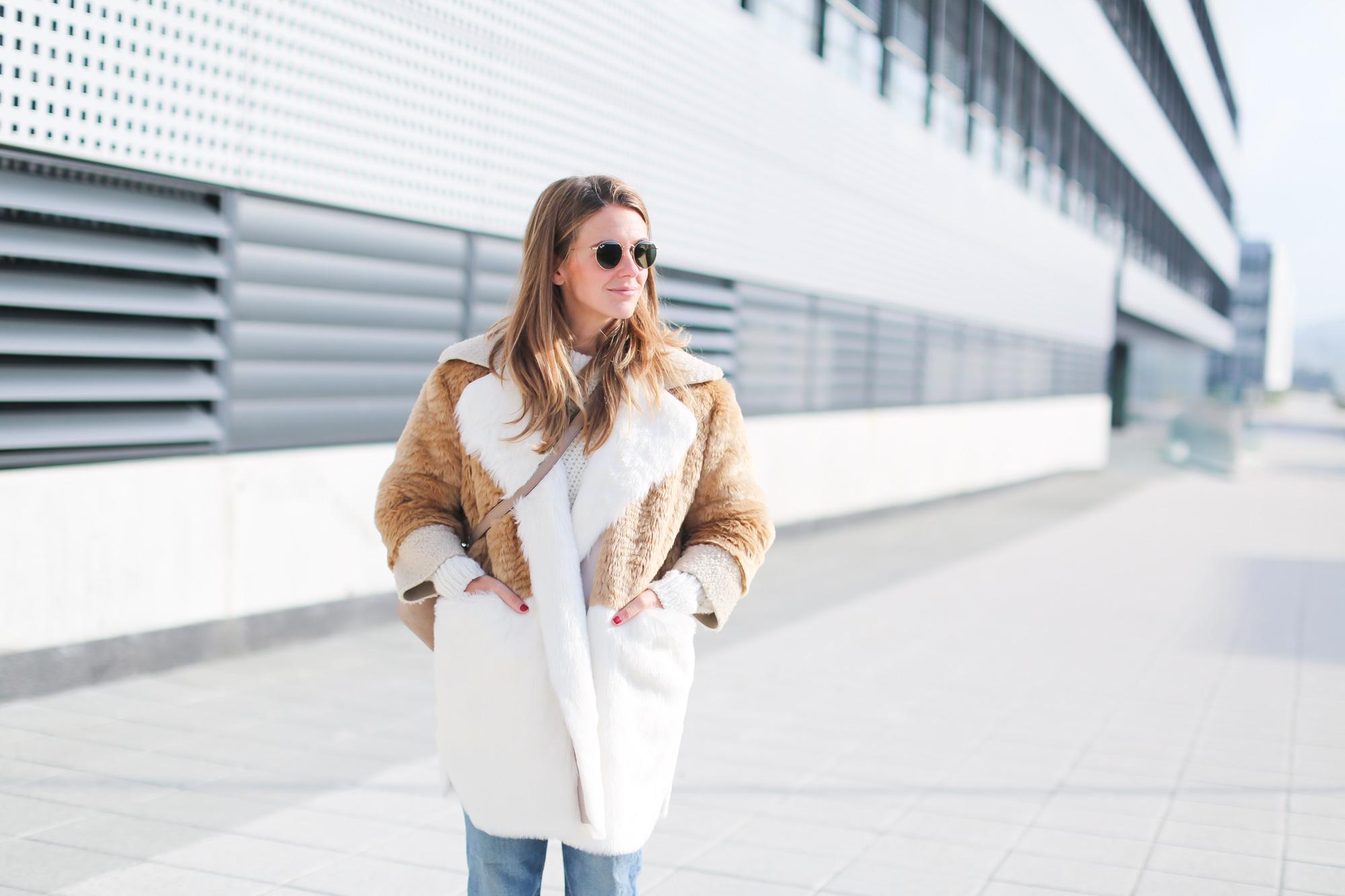 Clochet_streetstyle_fashionblogger_asosfauxfurteddycoat_pinkadidashamburg_leztinstreet_acnestudiosjeans_pop-3