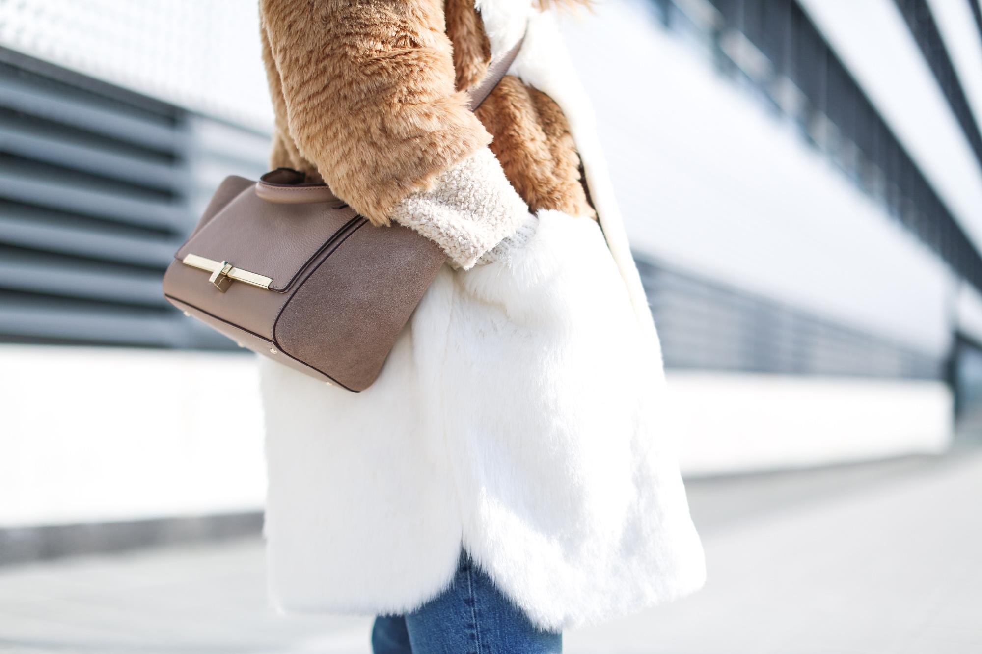 Clochet_streetstyle_fashionblogger_asosfauxfurteddycoat_pinkadidashamburg_leztinstreet_acnestudiosjeans_pop-6