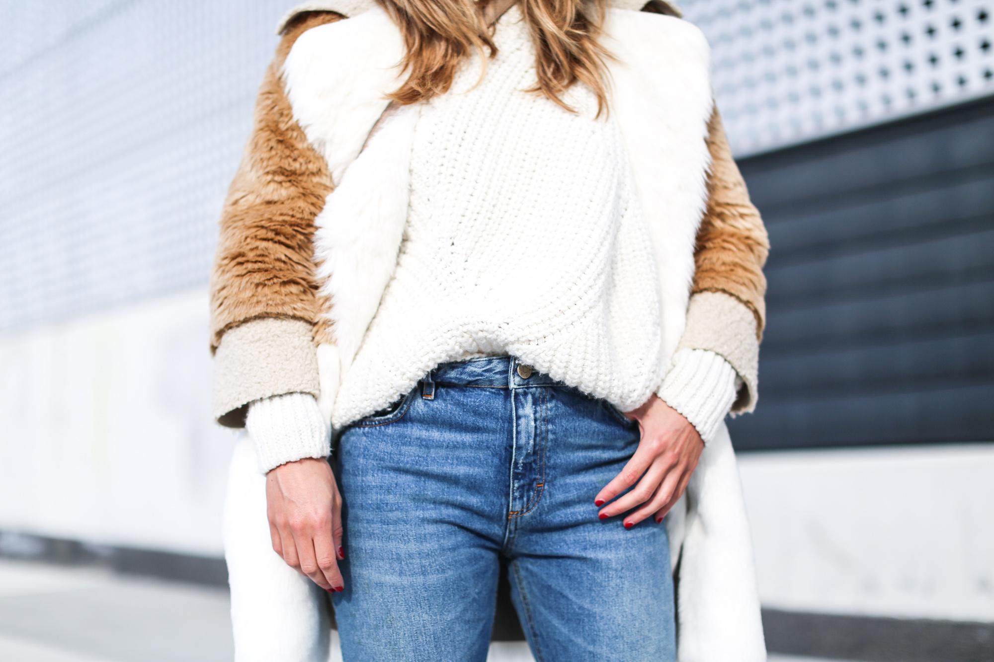 Clochet_streetstyle_fashionblogger_asosfauxfurteddycoat_pinkadidashamburg_leztinstreet_acnestudiosjeans_pop-7