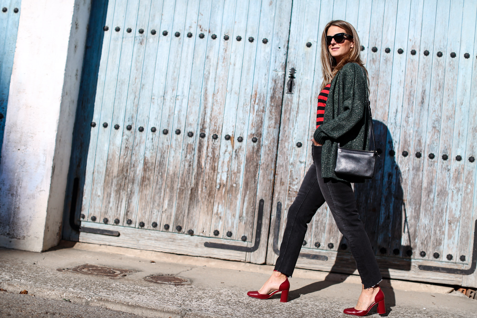 clochet_streetstyle_fashionblogger_zapatostaconrojospielzara_bolsotrioceline_momjeansh&m-2