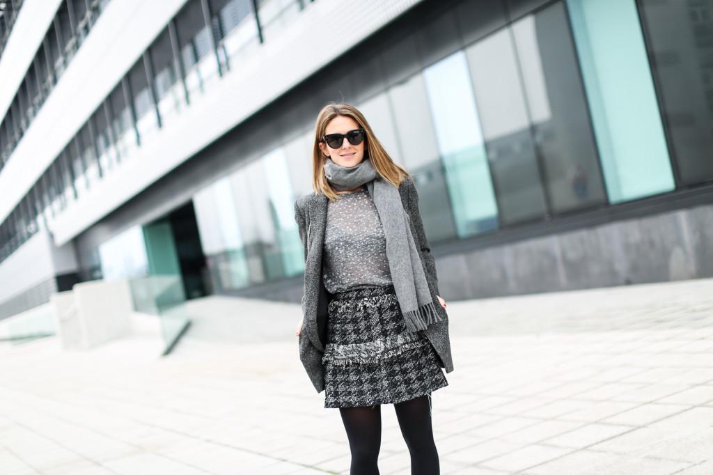 Mini falda gris de tweed