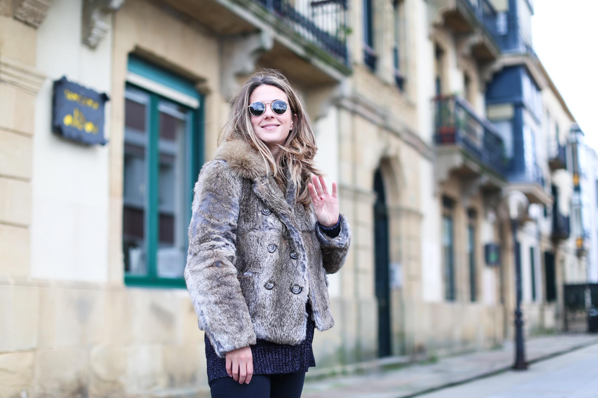 Clochet_streestyle_fashionblogger_topshopjamiejeans_zaranavyglitterknit_furcoat-3