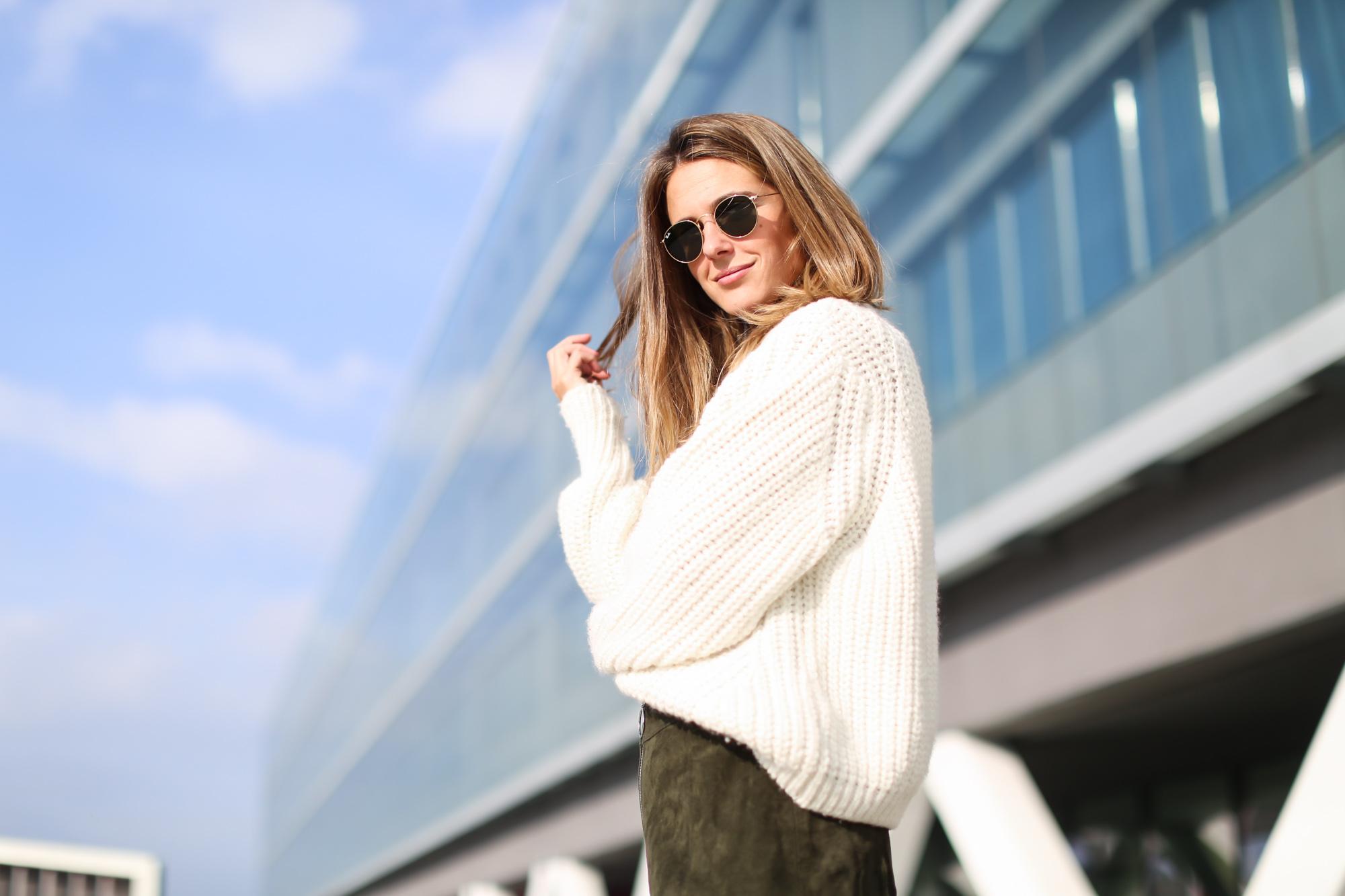 Clochet_streetstyle_fashionblogger_asosfauxfurcoat_minifaldaantezara_botinespieldorados-7