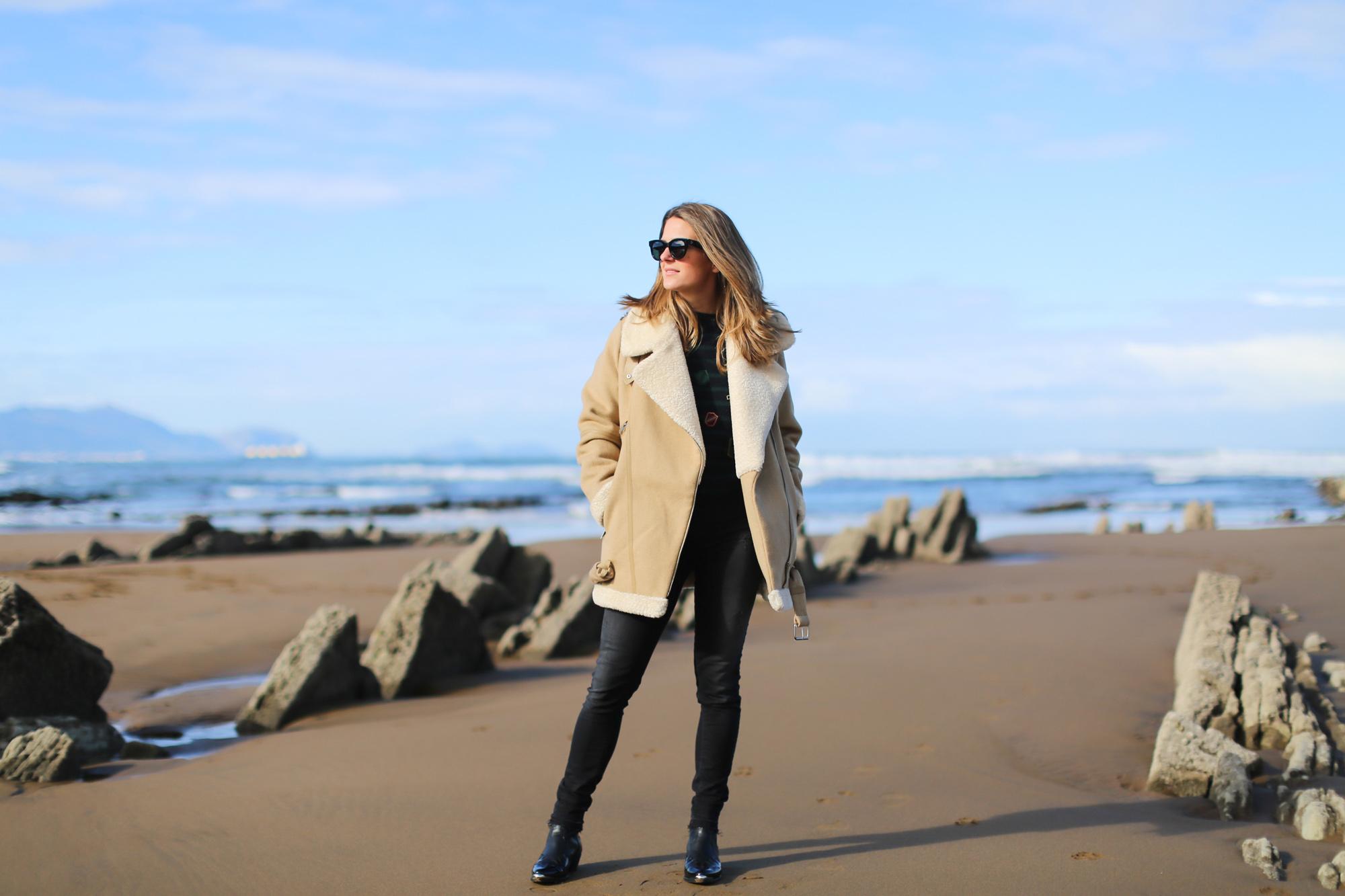 Clochet_streetstyle_fashionblogger_aviatorsherlingjacket_abrigoabiadorzara_botines_topshoparson-4