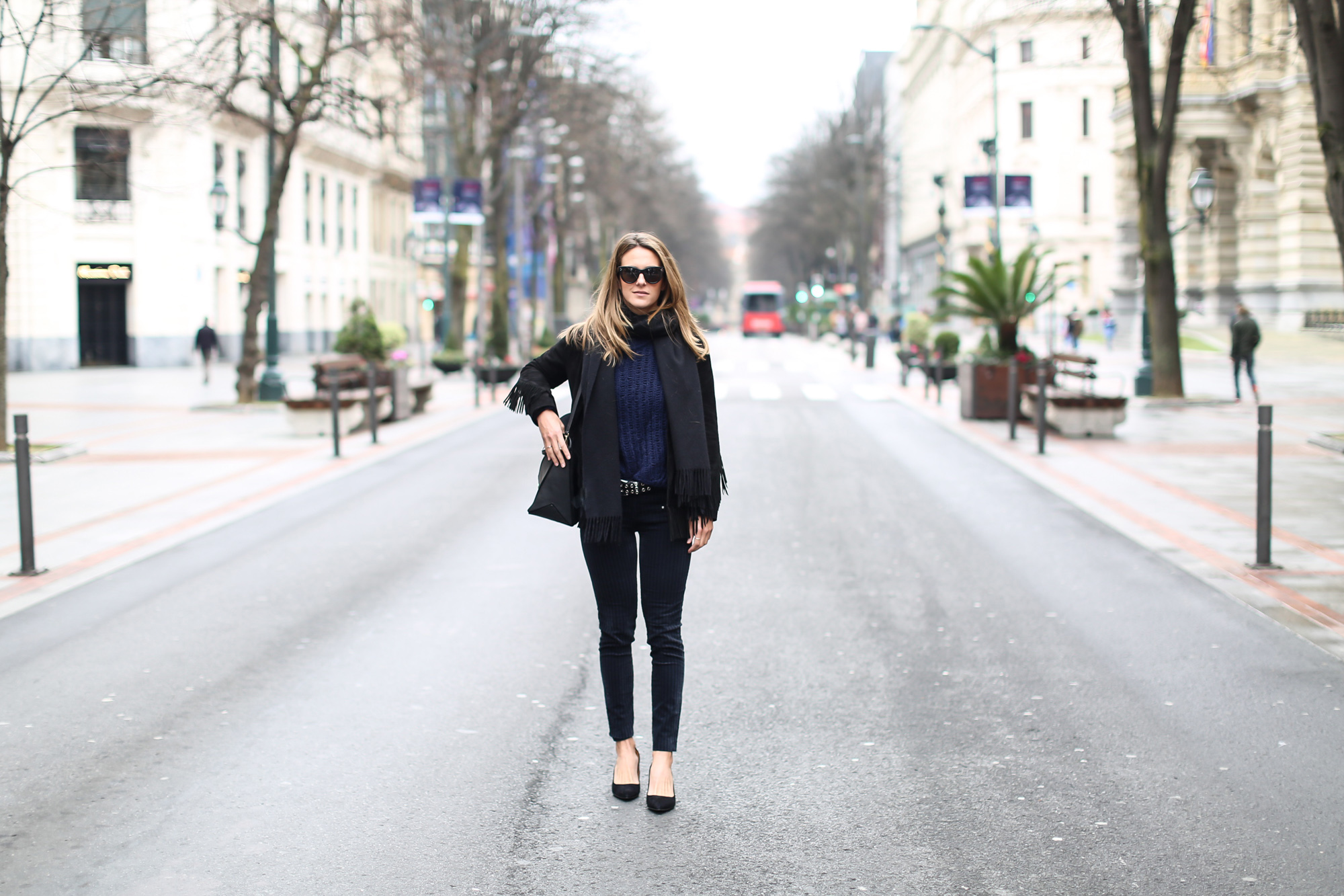 Clochet_streetstyle_fashionblogger_purificacióngarcia_bolsotrangram_chaquetaanteflecosmaje-2