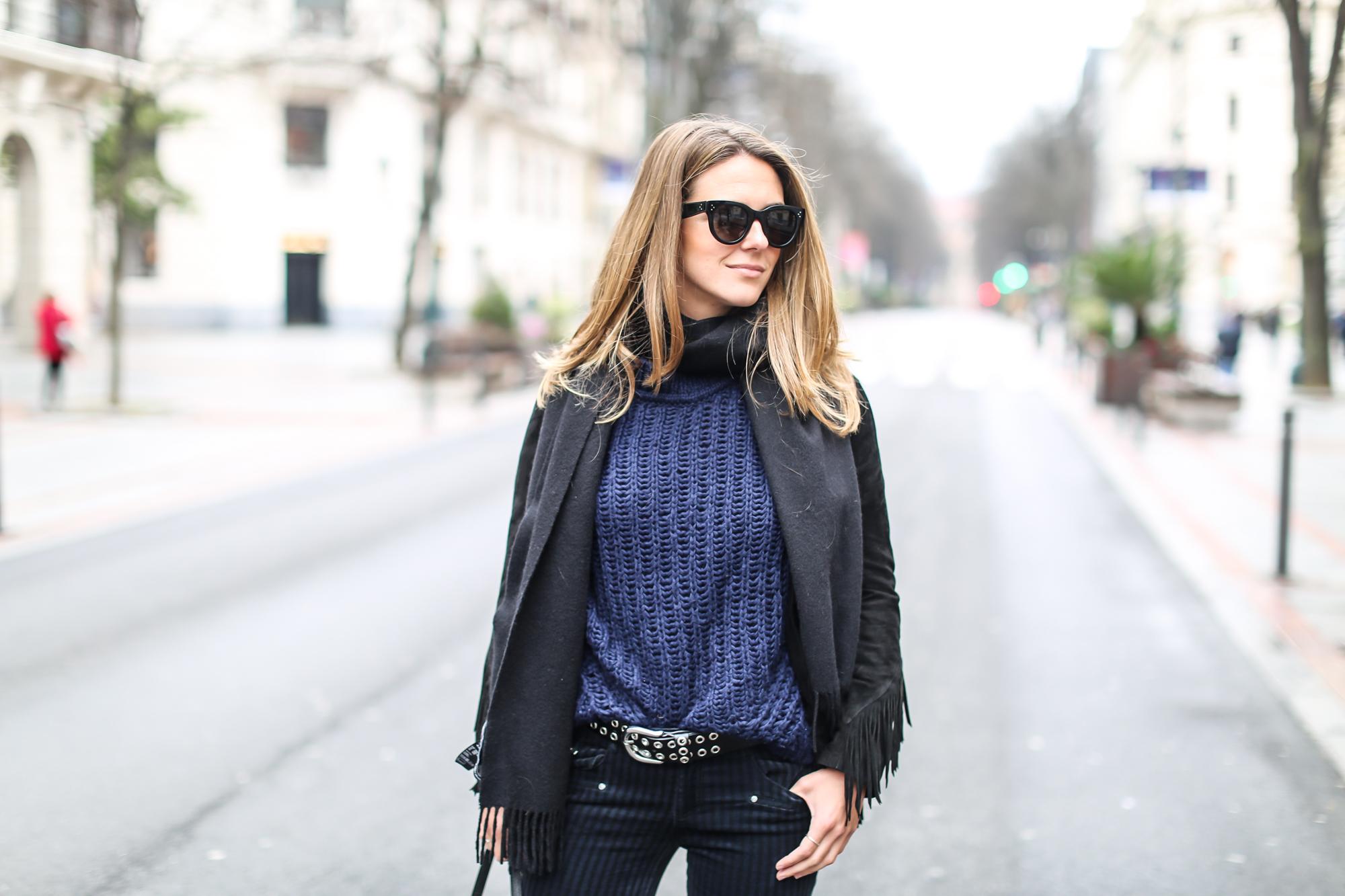 Clochet_streetstyle_fashionblogger_purificacióngarcia_bolsotrangram_chaquetaanteflecosmaje-4