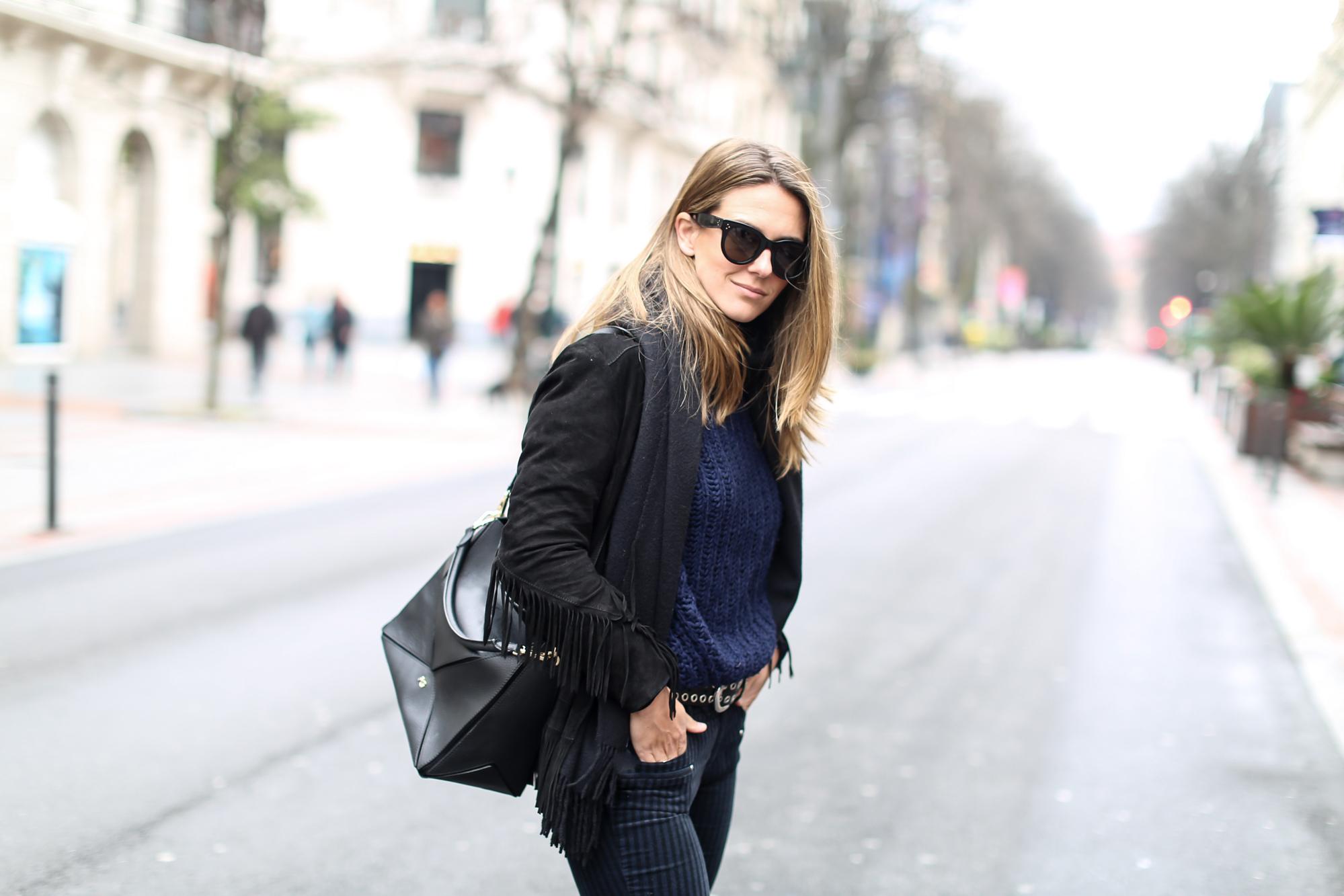 Clochet_streetstyle_fashionblogger_purificacióngarcia_bolsotrangram_chaquetaanteflecosmaje-5