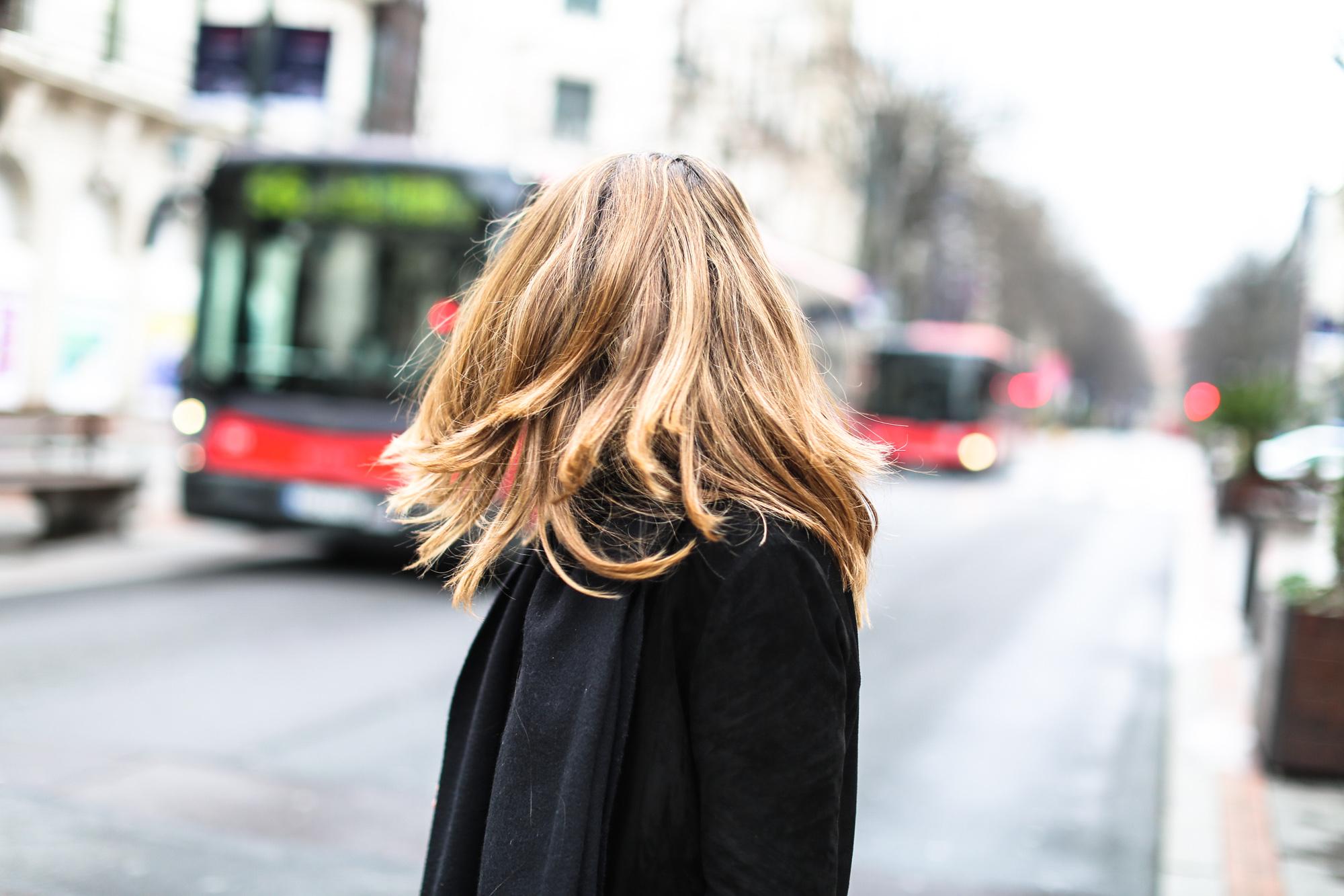 Clochet_streetstyle_fashionblogger_purificacióngarcia_bolsotrangram_chaquetaanteflecosmaje