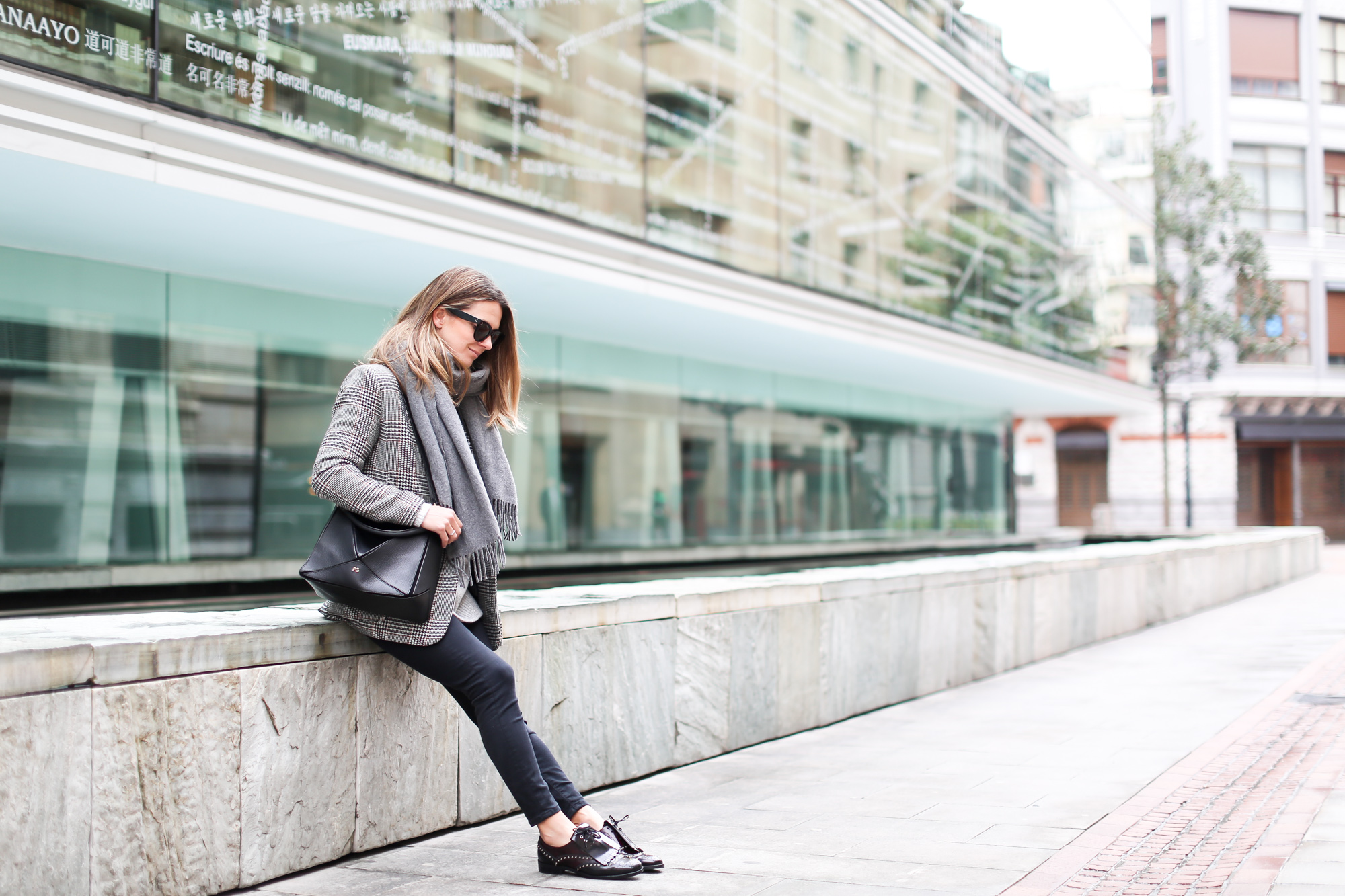 Clochet_streetstyle_fashionblogger_zapatosoxfordtachuelasPertini_bolsotangrampurificaciongarcia-2