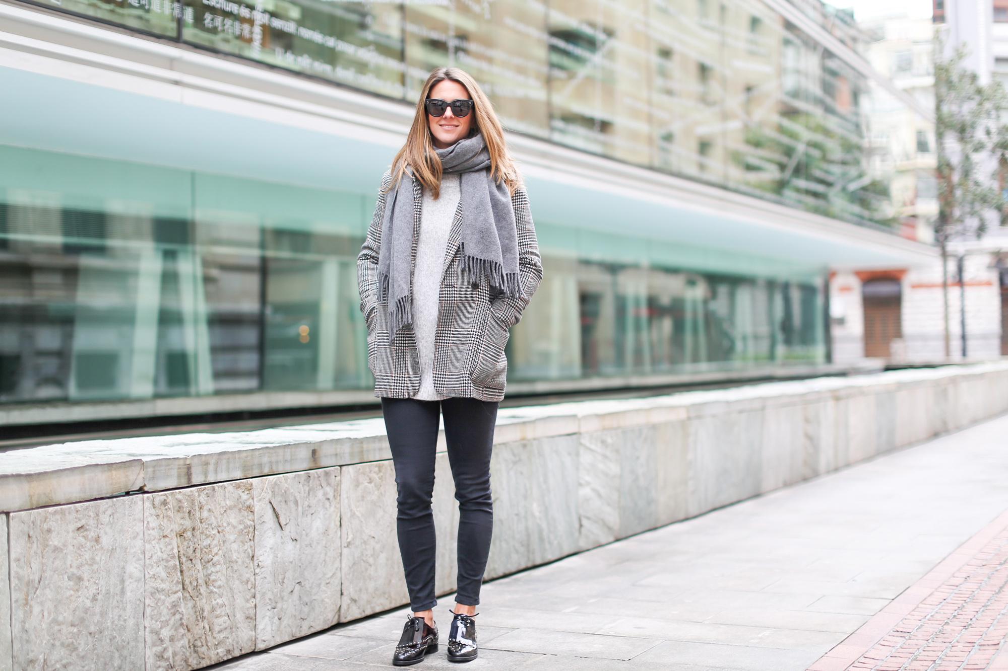 Clochet_streetstyle_fashionblogger_zapatosoxfordtachuelasPertini_bolsotangrampurificaciongarcia