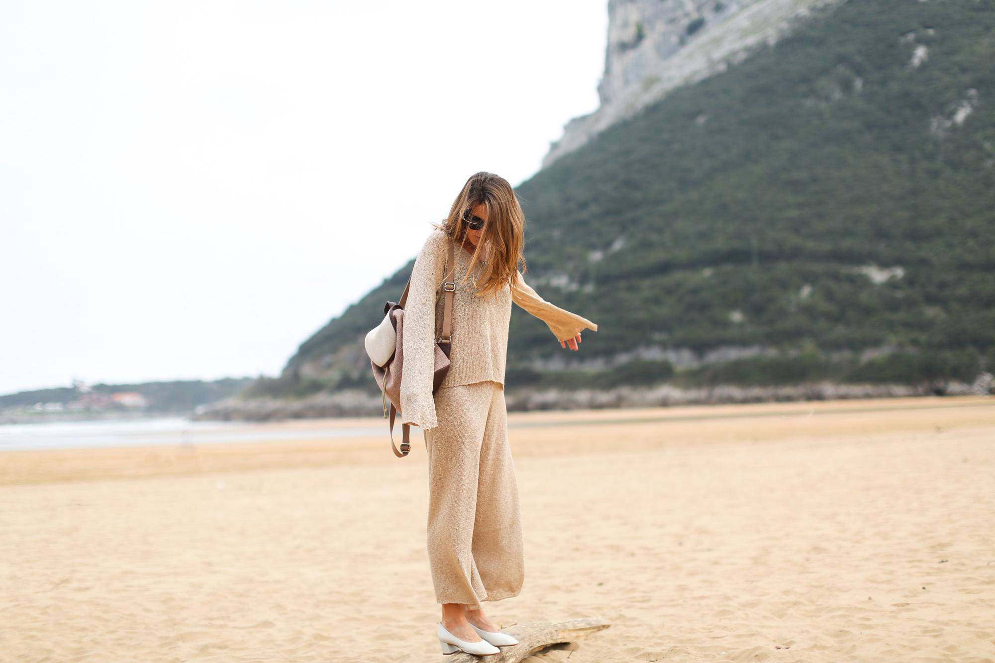 Clochet_conjunto_punto_beige_Zara