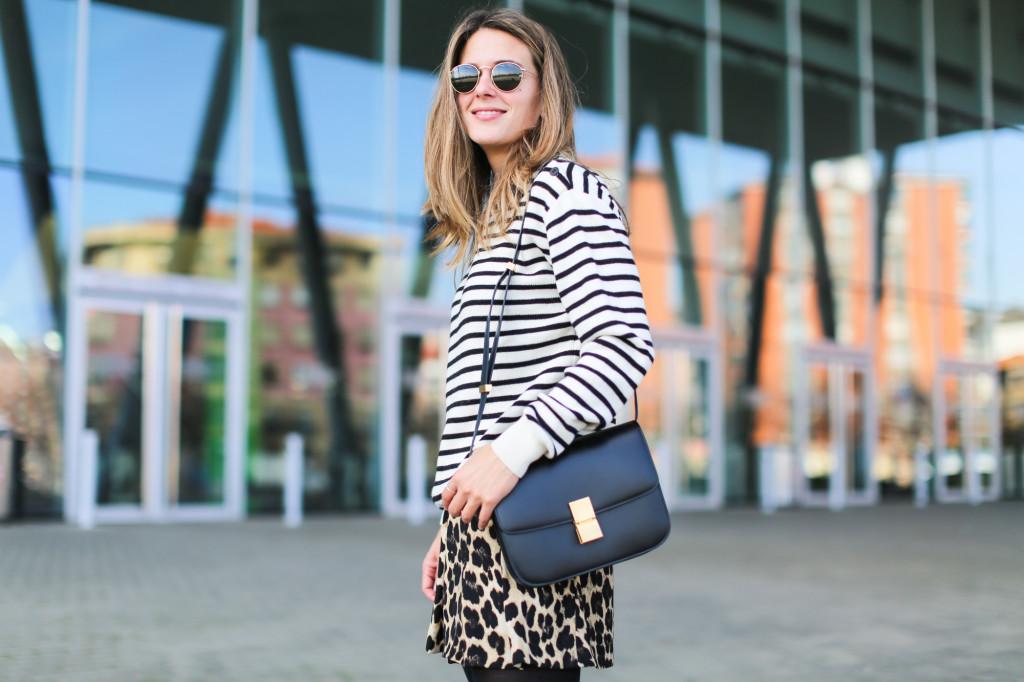 Clochet_streetstyle_fashionblogger_shortsestampadoleopardozara_adidasgazelle_jerseymarinerorayaslanacos_celineboxbag-6